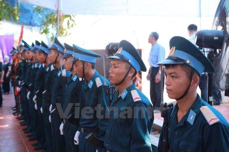 Nguoi than ngong cho linh cuu cua dai ta Tran Quang Khai ve que - Anh 1