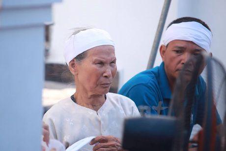 Nguoi than ngong cho linh cuu cua dai ta Tran Quang Khai ve que - Anh 6