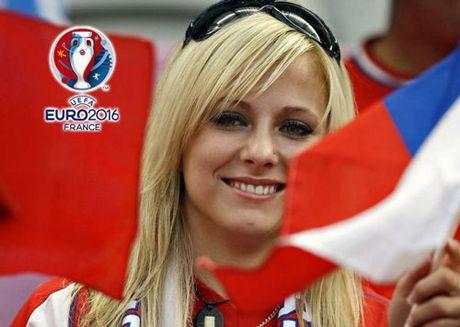 Chum anh CDV nu Iceland va CH Czech khuay dao khan dai EURO - Anh 10