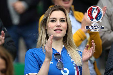 Chum anh CDV nu Iceland va CH Czech khuay dao khan dai EURO - Anh 1
