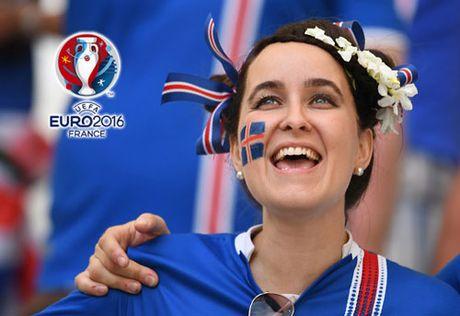 Chum anh CDV nu Iceland va CH Czech khuay dao khan dai EURO - Anh 2