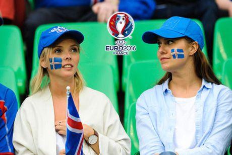 Chum anh CDV nu Iceland va CH Czech khuay dao khan dai EURO - Anh 3