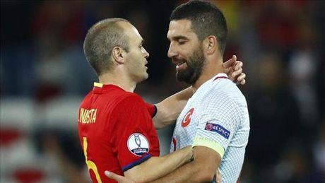 Mau thuan voi HLV, sao Barca tinh roi Euro 2016 giua chung - Anh 1