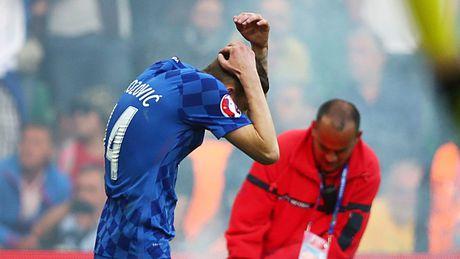 Nhung su co hy huu tai VCK Euro 2016 - Anh 6