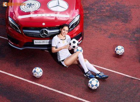 Hoa hau Mai Phuong Thuy cung Mercedes co vu tuyen Duc - Anh 10