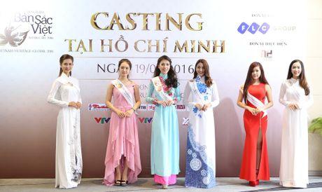 Hoa hau Ban sac Viet toan cau: Thi sinh phia Nam khoe nhan sac ruc ro - Anh 5