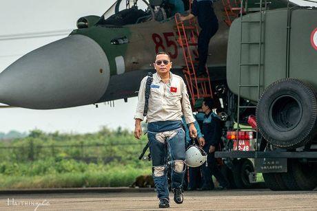 Ha Noi tuyen dung dac cach vo phi cong Tran Quang Khai vao nganh Giao duc - Anh 1