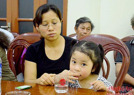 Ha Noi tuyen dung dac cach vo phi cong Tran Quang Khai vao nganh Giao duc - Anh 2