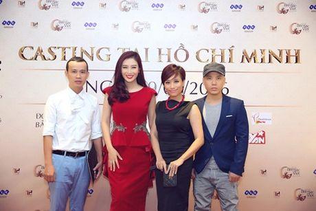 Hai chi em sinh doi ru nhau casting Hoa hau ban sac Viet toan cau - Anh 1