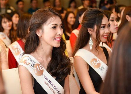 Hai chi em sinh doi ru nhau casting Hoa hau ban sac Viet toan cau - Anh 3