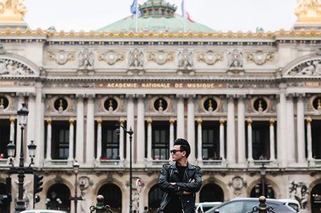 """""""Ban trai tin don"""" cua Do Manh Cuong lich lam dao pho Paris - Anh 11"""