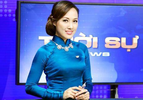 "BTV thoi su Hoai Anh tiet lo ""goc khuat"" ve vay ao len song - Anh 4"