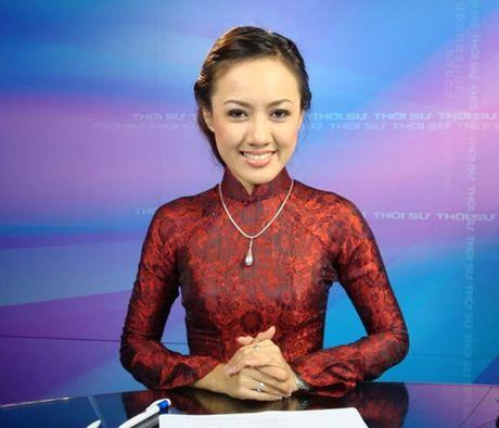 "BTV thoi su Hoai Anh tiet lo ""goc khuat"" ve vay ao len song - Anh 5"