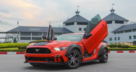 Ford Mustang do Wide Bodykit cuc chat cua dan choi Lao Cai - Anh 1