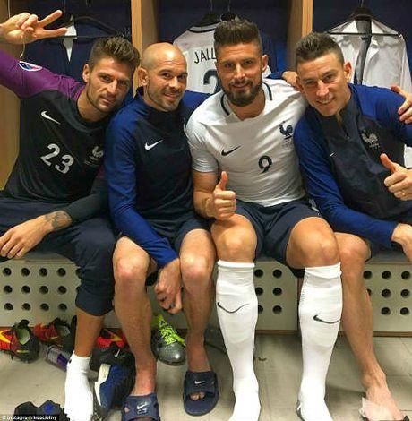 """Anh dep Euro 20/6: Pogba chuc mung """"Ngay cua bo"""" - Anh 12"""