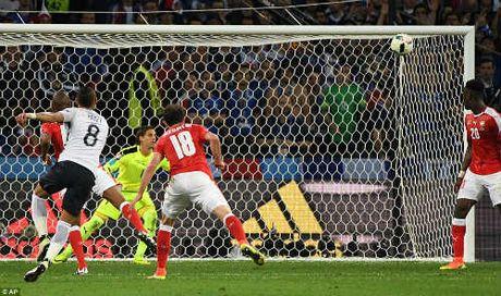 """Anh dep Euro 20/6: Pogba chuc mung """"Ngay cua bo"""" - Anh 5"""