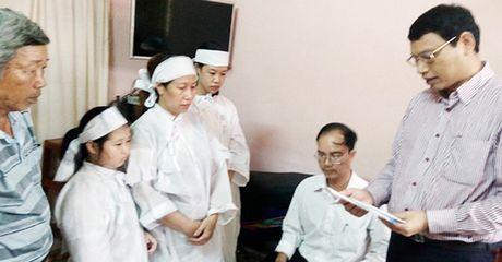 Da Nang: Ho tro tien cho con nan nhan vu lat tau Thao Van 2 - Anh 1