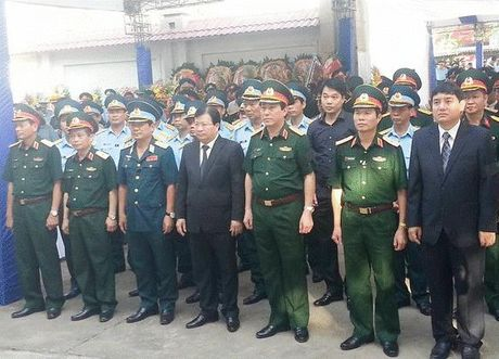 Dong doi, nguoi than va nhan dan tien dua Dai ta Tran Quang Khai - Anh 2