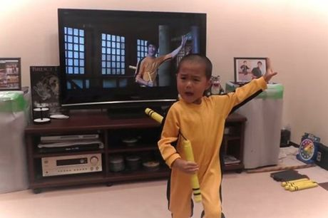 "Chan dung cau be 4 tuoi duoc menh danh ""Ly Tieu Long tai the"" - Anh 1"