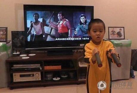 "Chan dung cau be 4 tuoi duoc menh danh ""Ly Tieu Long tai the"" - Anh 3"