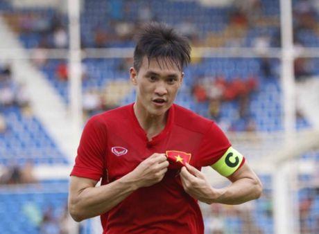 Le Cong Vinh: 'Ronaldo cung la con nguoi' - Anh 1