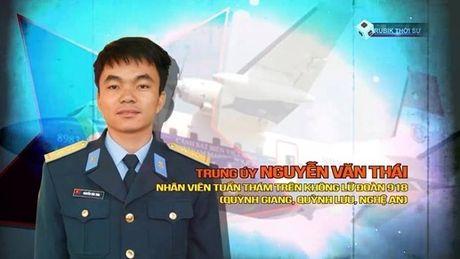 Vu may bay CASA gap nan: Gia dinh Trung uy Nguyen Van Thai tung phut ngong cho tin tuc - Anh 1