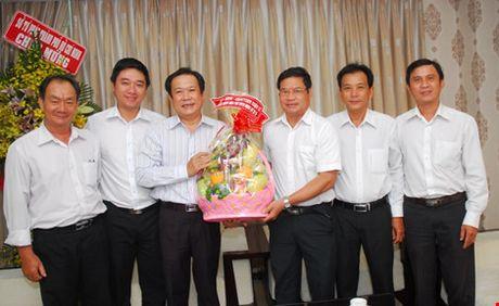 Mong bao Phap Luat TP.HCM tiep tuc ren but thep - Anh 3