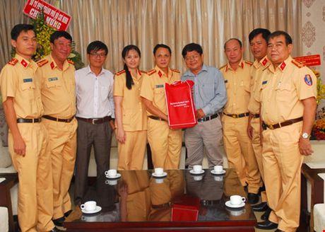 Mong bao Phap Luat TP.HCM tiep tuc ren but thep - Anh 5