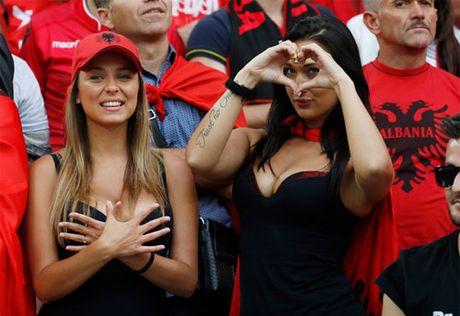 Bong da Albania: Mat ngot va mau do - Anh 3