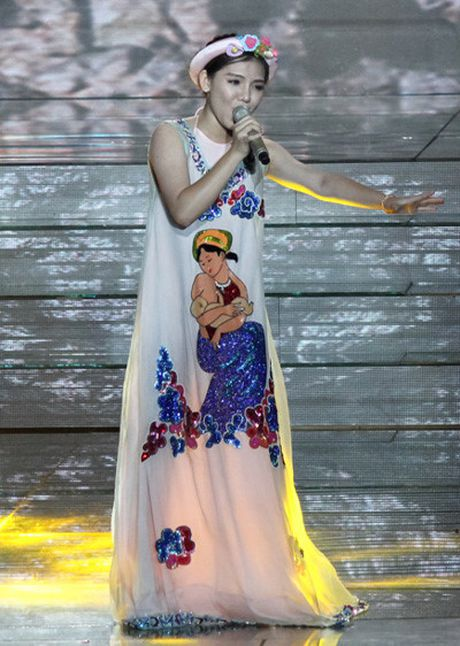 X-Factor: Giong ca 17 tuoi 'cuop hit' van duoc Thanh Lam khen - Anh 1