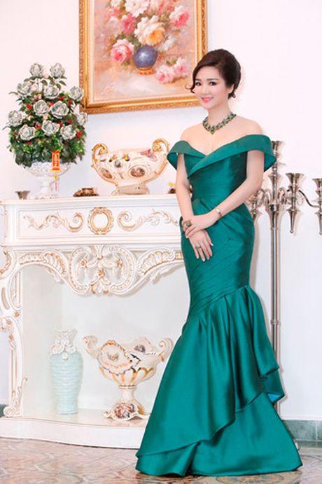 'Hoa hau khong tuoi' Giang My dien dam tre vai goi cam - Anh 4