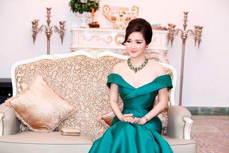 'Hoa hau khong tuoi' Giang My dien dam tre vai goi cam - Anh 5