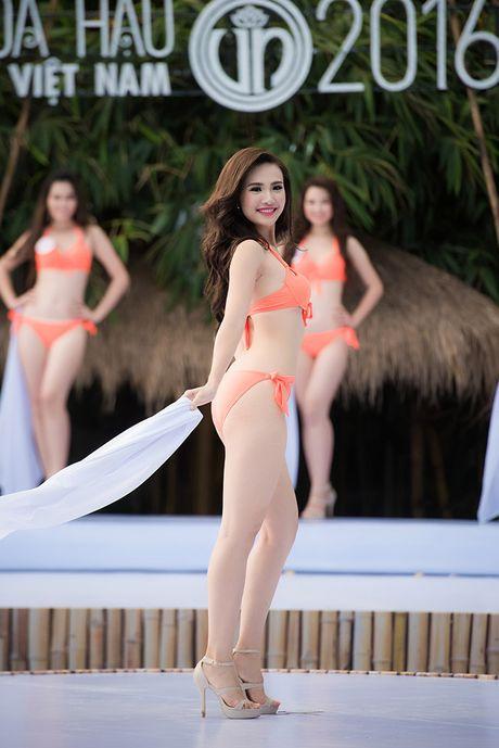 8 vong 3 'ruc lua' nhat dem chung ket Hoa hau Viet Nam - Anh 21