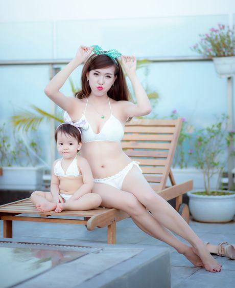 Hot girl Mai Tho khoe dang non na ben con gai - Anh 10