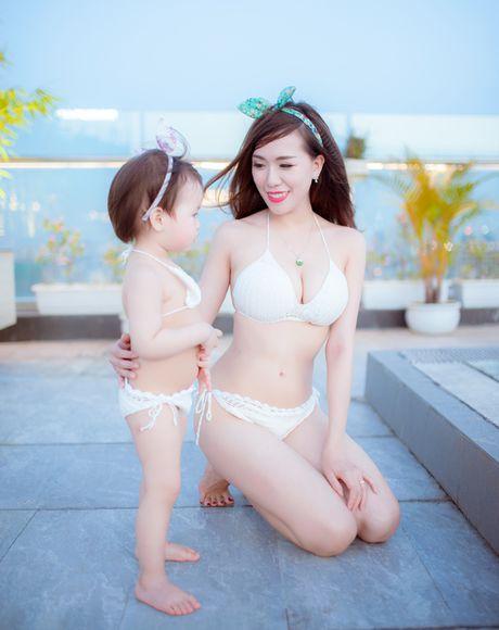 Hot girl Mai Tho khoe dang non na ben con gai - Anh 14