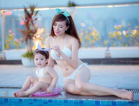 Hot girl Mai Tho khoe dang non na ben con gai - Anh 1