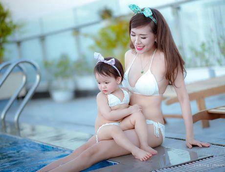 Hot girl Mai Tho khoe dang non na ben con gai - Anh 9
