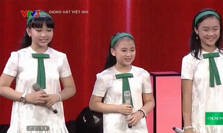 Noo Phuoc Thinh xin Dong Nhi nhan nhom hoc tro cua minh - Anh 4