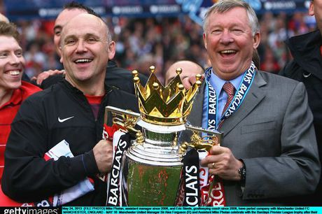 MU thang Hull City: Mike Phelan kich hoat Fergie Time, Mourinho toan thang ca 3 tran - Anh 1