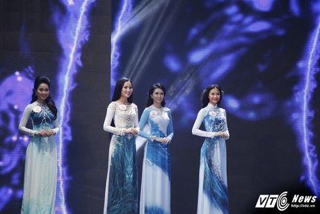 30 nhan sac Hoa hau Viet Nam toa sang trong ao dai 'Ngoc Vien Dong' - Anh 9