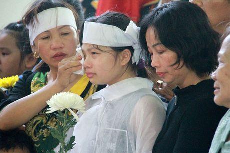 Xuc dong giay phut vinh biet phi cong anh dung lai may bay L39 - Anh 4