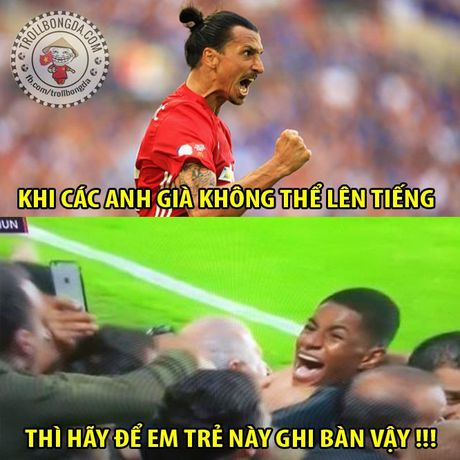 Fan Man United trao Qua bong vang cho Rashford, Guardiola dau hang Barcelona - Anh 16