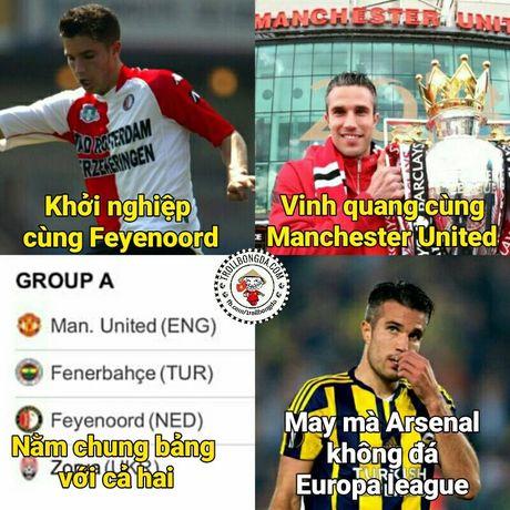 Fan Man United trao Qua bong vang cho Rashford, Guardiola dau hang Barcelona - Anh 4