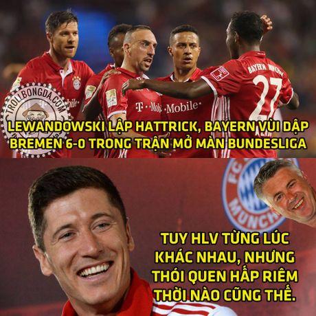 Fan Man United trao Qua bong vang cho Rashford, Guardiola dau hang Barcelona - Anh 6