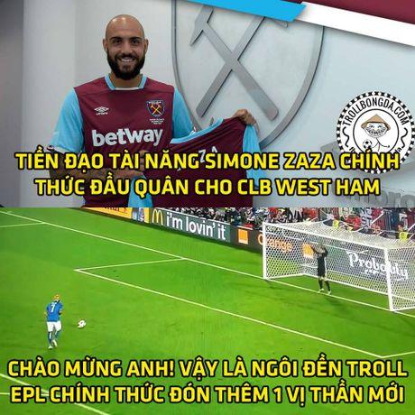 Fan Man United trao Qua bong vang cho Rashford, Guardiola dau hang Barcelona - Anh 9