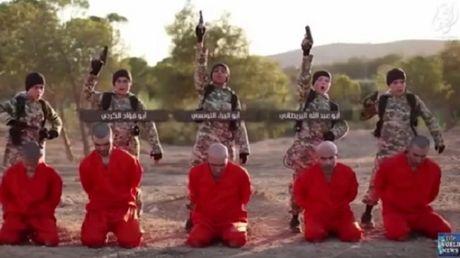 IS tung video tre em hanh quyet tu nhan nguoi Kurd - Anh 1