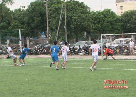 Giai bong da ky niem 71 nam Ngay thanh lap Nganh Giao thong Van tai - Anh 1