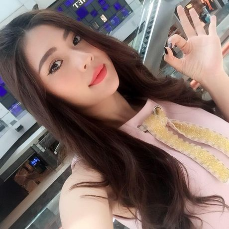 Chung Huyen Thanh xinh khac la khi trang diem tu nhien - Anh 1