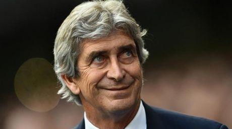 HLV Manuel Pellegrini da co ben do moi sau khi roi Man City - Anh 2