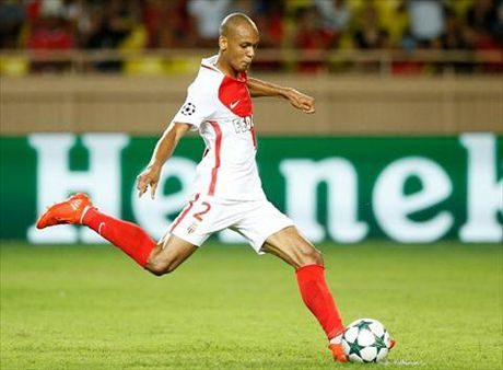 Sao Monaco bao tin buon cho M.U - Anh 1